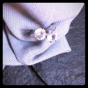 Jewelry - Sterling silver white gemstone ring